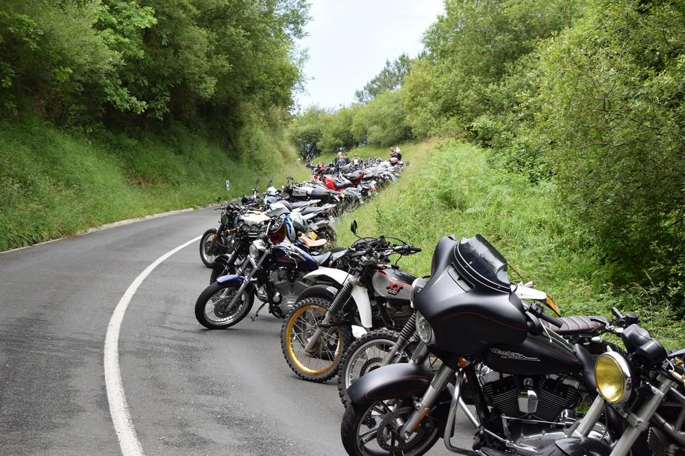 Pres de 1500 motos