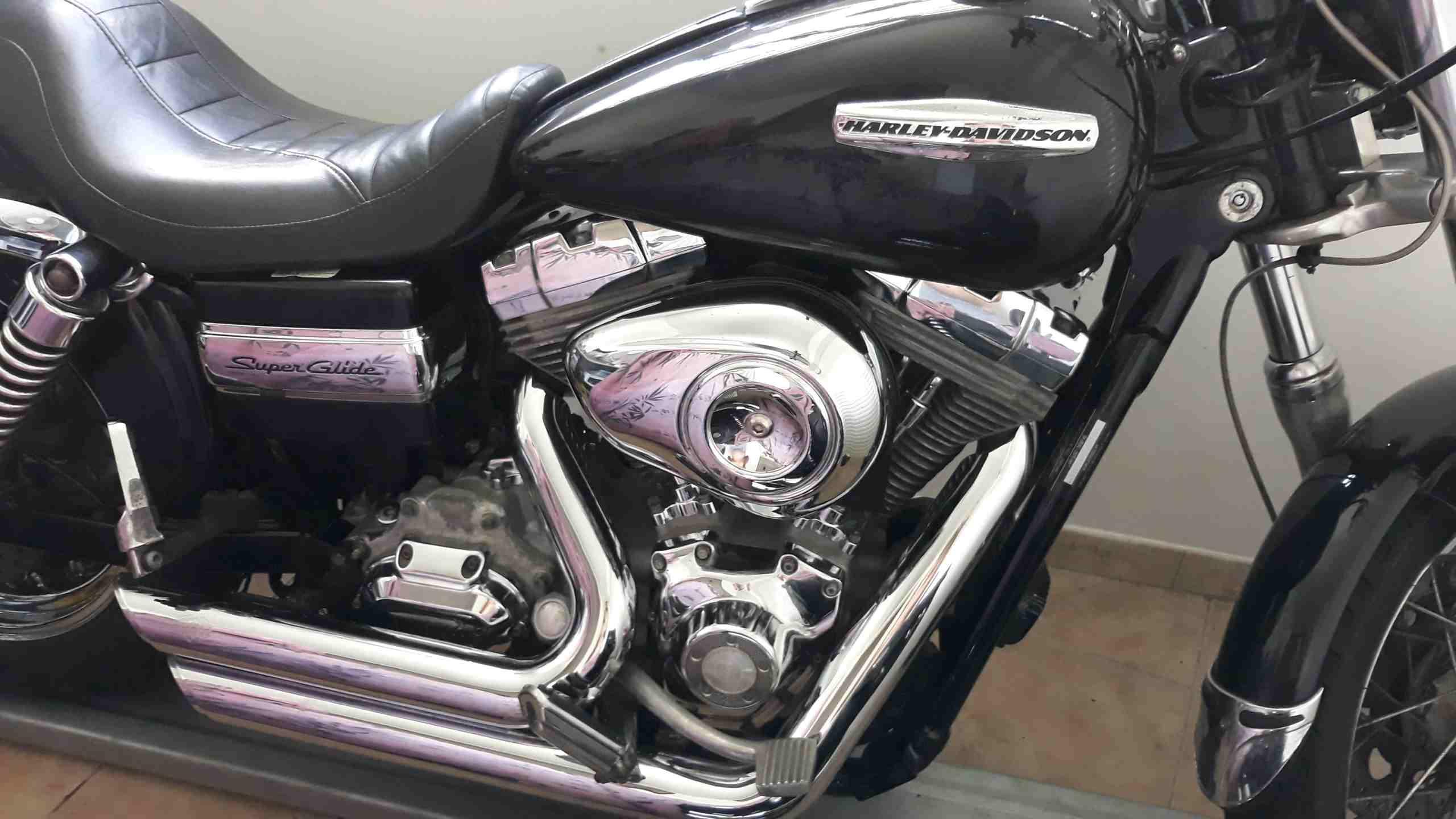 HARLEY DAVIDSON SUPER GLIDE 2008 . 1584cc