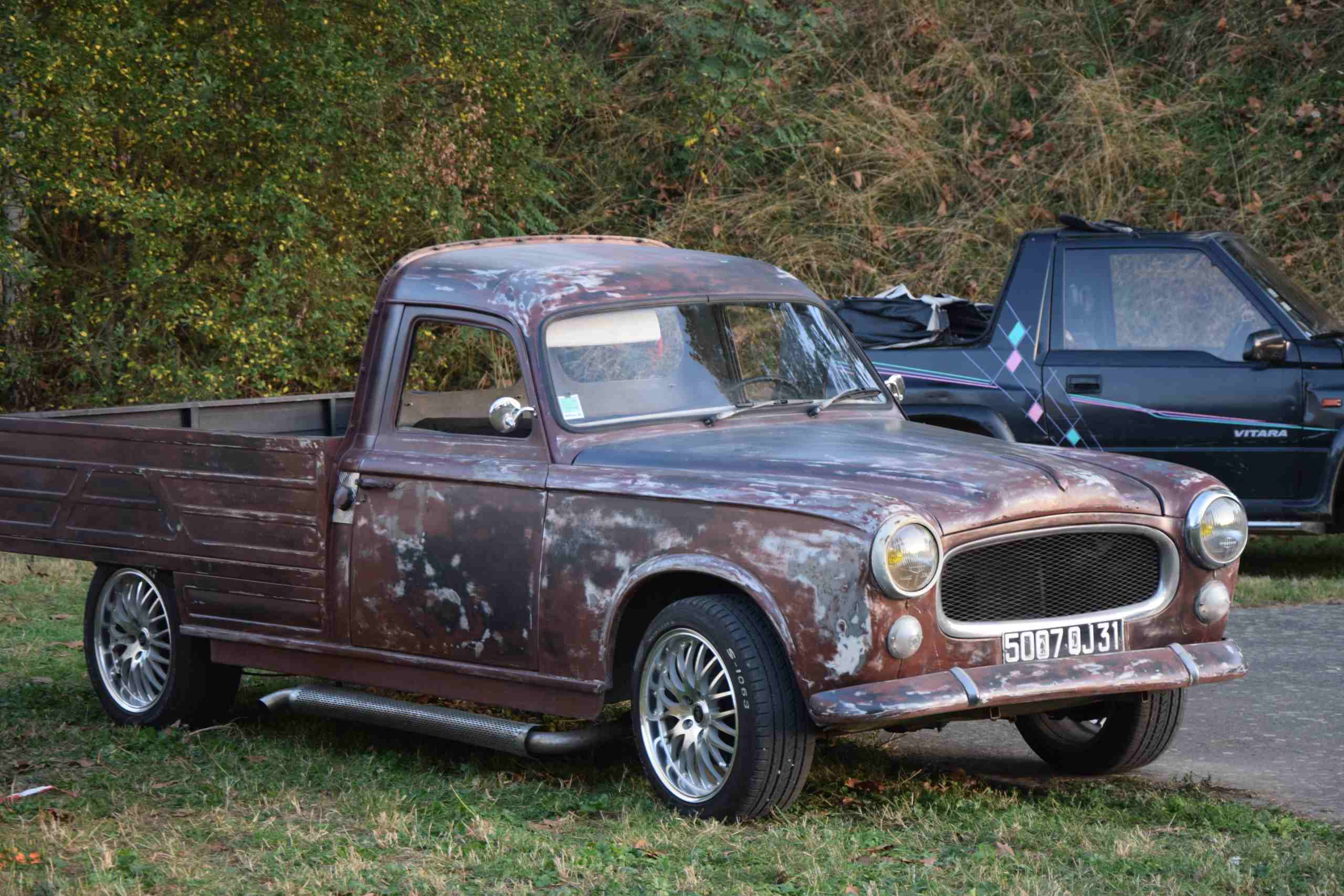 PEUGEOT 403 pick up customisée