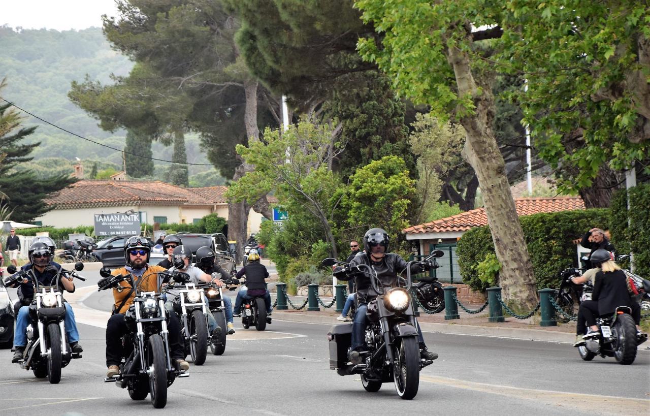 Départ de la parade à St Tropez.