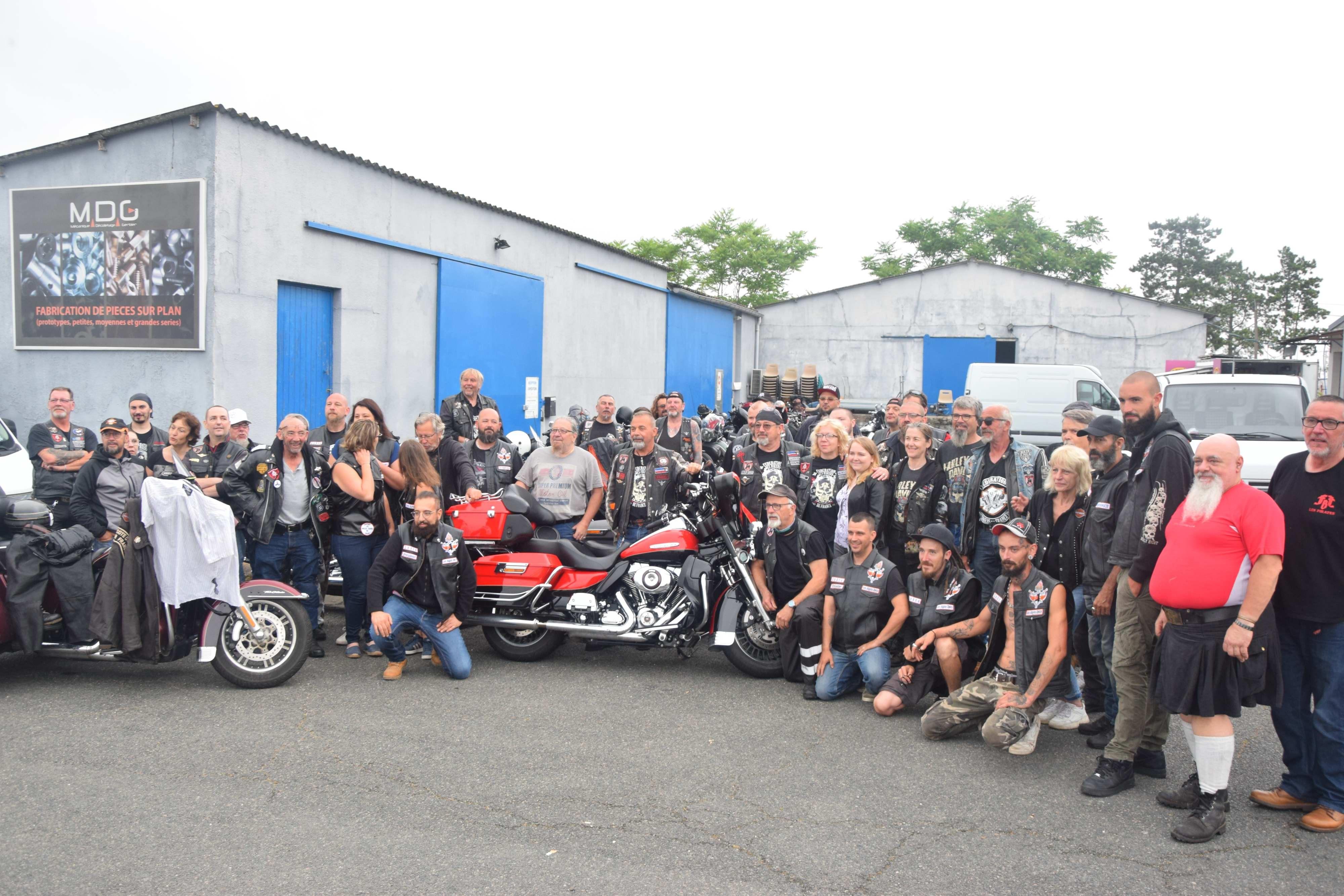 Photo de groupe avant le départ