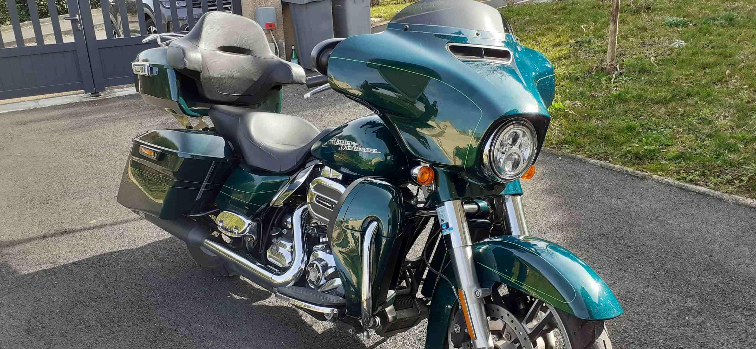 Harley Davidson Street glide special 2015. (FLHXS)