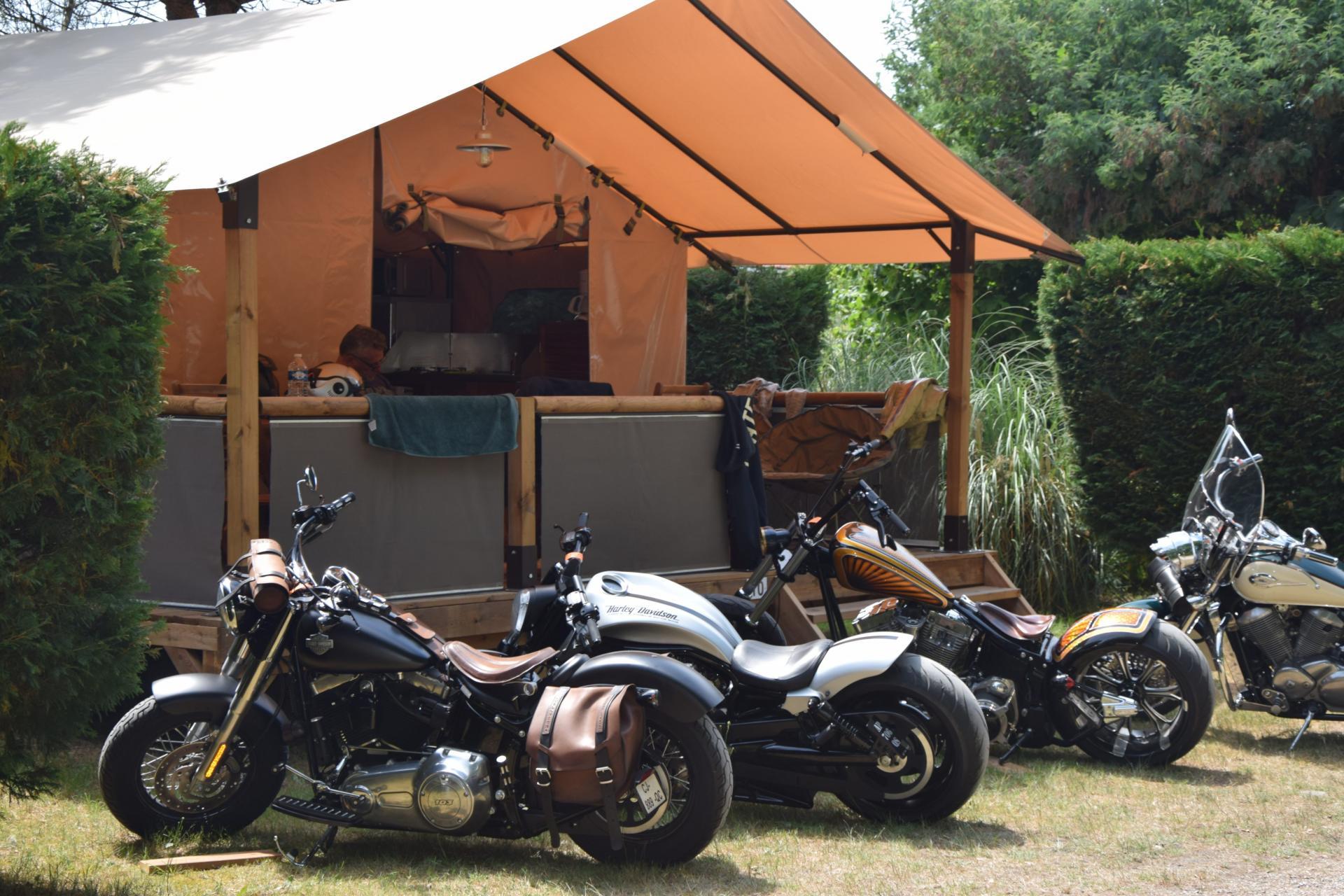 Camping La Chesnays 4 étoiles à Vendays-Montalivet, ( 33 )